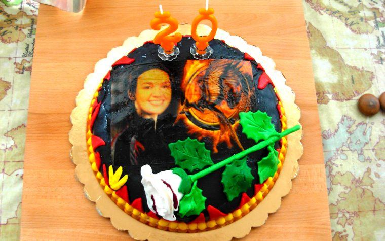 TORTA HUNGER GAMES, decorazione torte