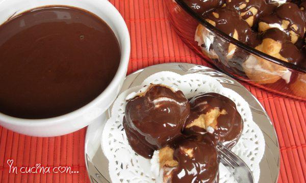 Glassa per profiteroles, ricetta col cioccolato