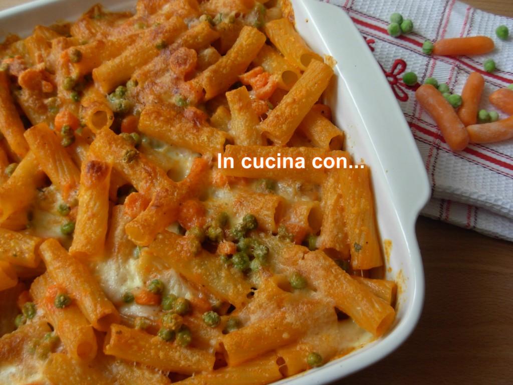 PASTA AL FORNO CON PISELLI E CAROTE, ricetta forno - In Cucina con ...