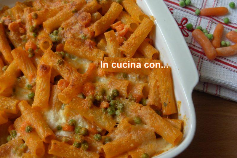 Pasta al forno con piselli e carote, ricetta forno