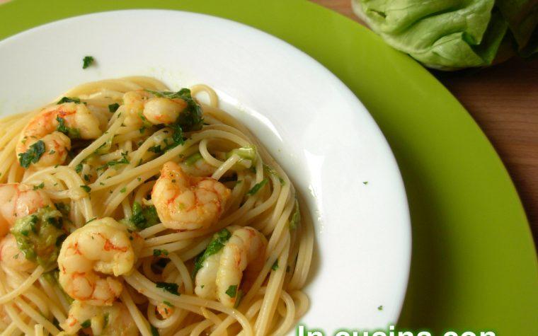 PASTA CON GAMBERI E VERDURE, ricetta pasta fredda
