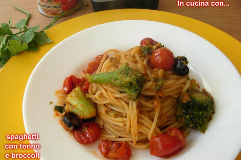 Spaghetti con tonno e broccoli, ricetta facile