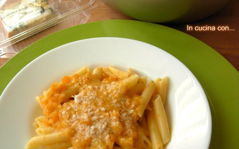 Pasta con zucca e gorgonzola, ricetta facile