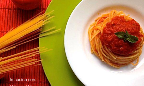 Spaghetti al pomodoro buonissimi