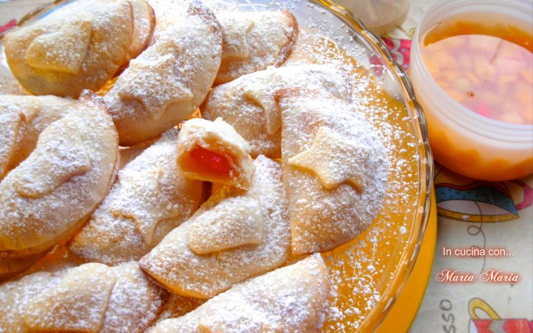 Calzoncini dolci, ricetta facile