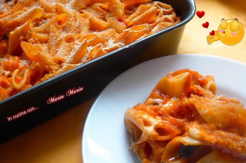 Pasta con peperoni al forno