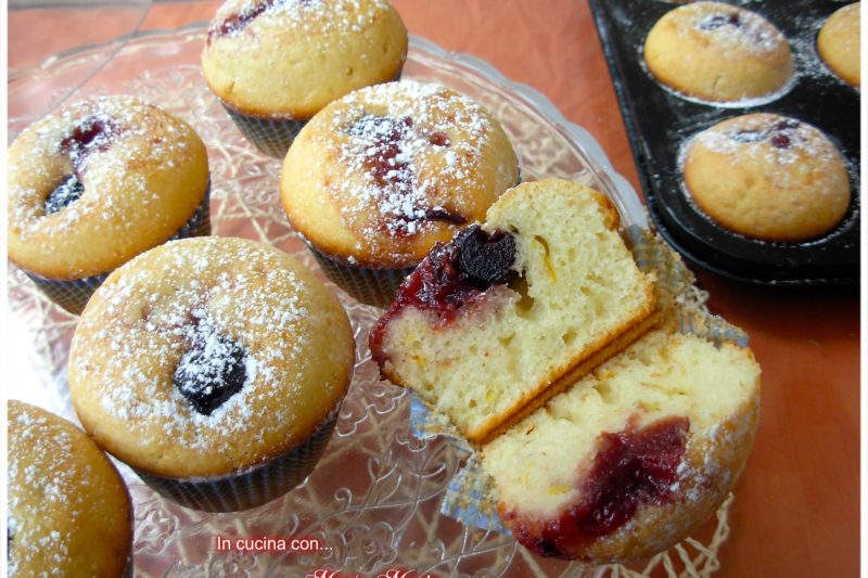 Muffin con ricotta e amarene