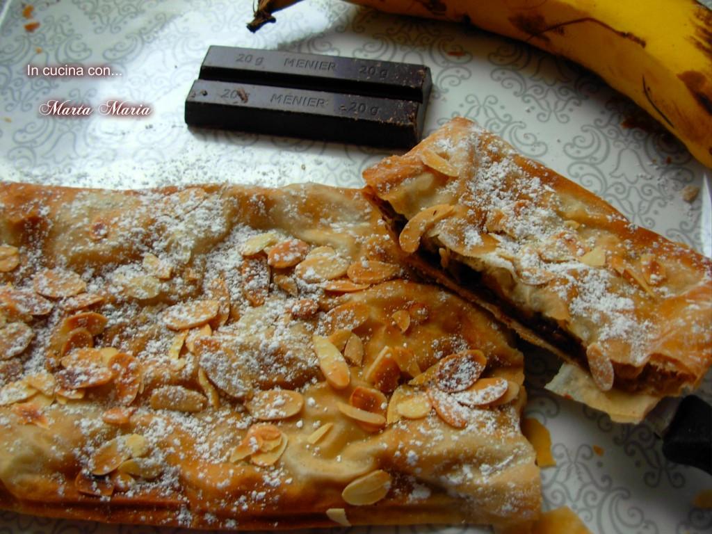 strudel con banane e cioccolato