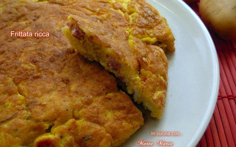 Frittata ricca con patate e speck, ricetta facile