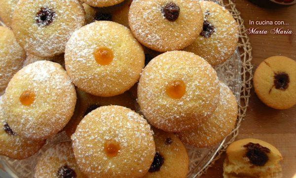 Muffin super soffici farciti con nutella e marmellata