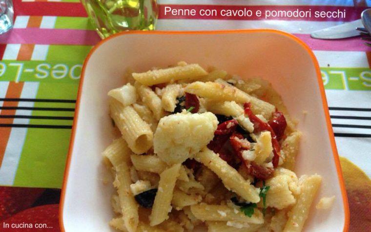 Penne con cavolo e pomodori secchi