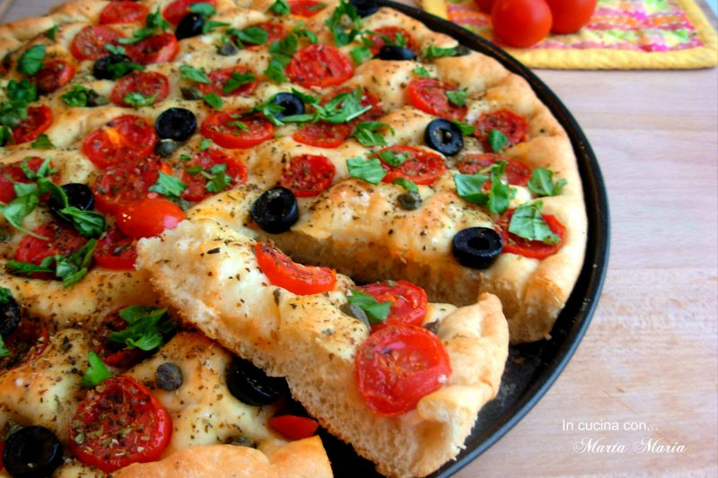 Focaccia con pomodoro olive e capperi, ricetta Bimby