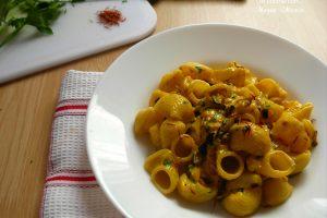 Pasta con zucchine e zafferano, ricetta facile