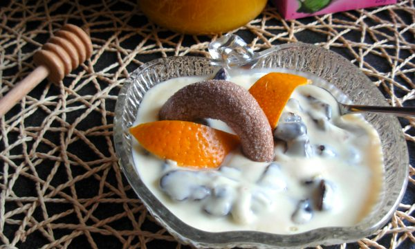 Crema di mascarpone prugne e succo d'arancia