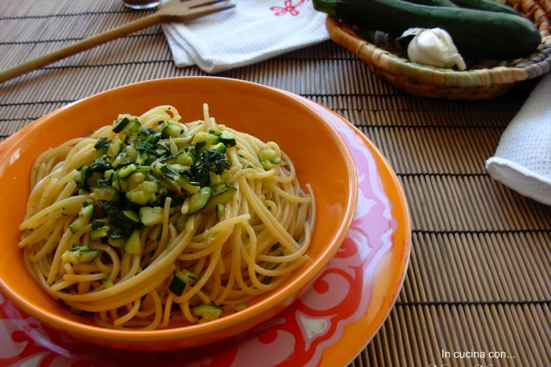 Spaghetti trafilati al bronzo con zucchine e alici