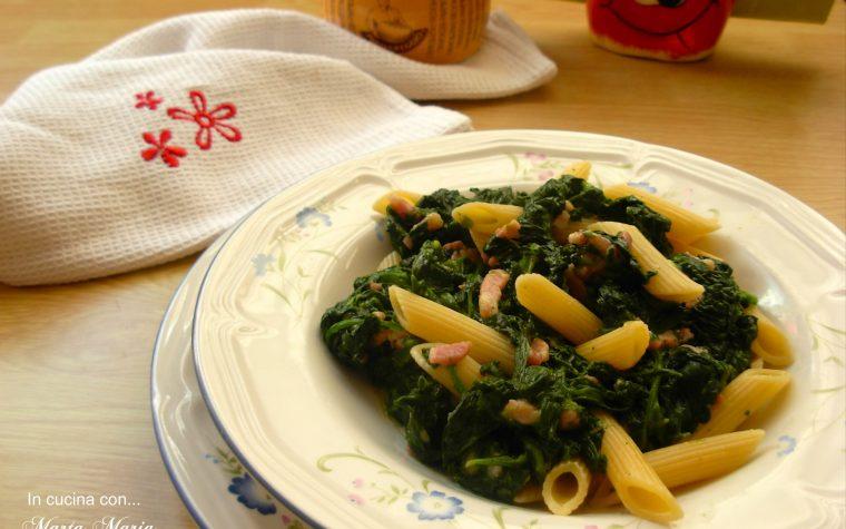 Penne spinaci e pancetta, ricetta facile