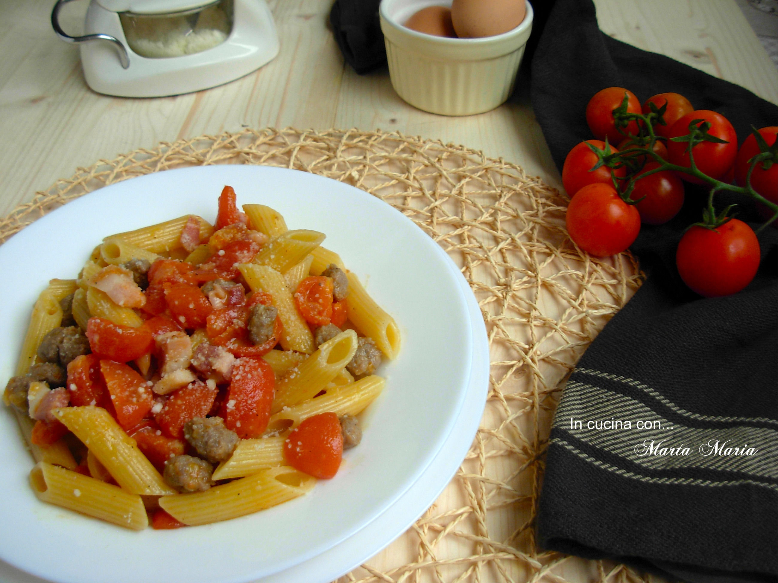 Pasta alla zozzona ricetta romana in cucina con for Pasta tipica romana