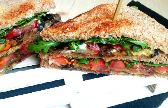 Club sandwich vegano