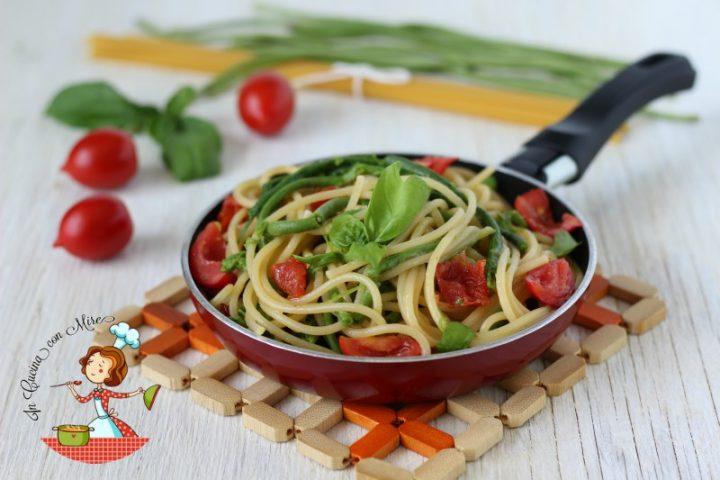 Fagiolini a metro con gli spaghetti
