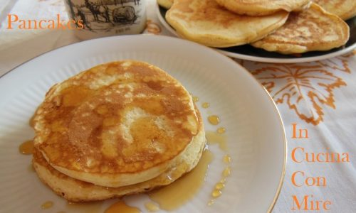 Pancakes con maple syrup