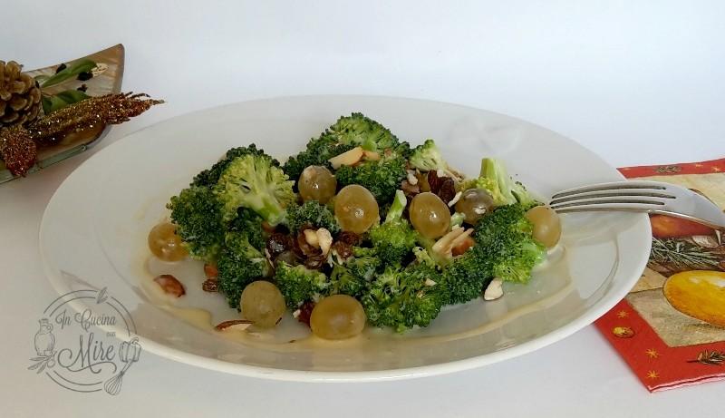 Insalata-broccoli-e-uva