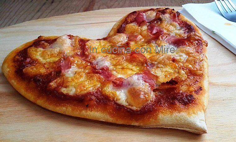 Un cuore di pizza con pasta madre –  Ricetta base
