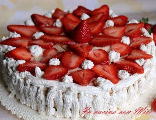 Torta fragole senza cottura