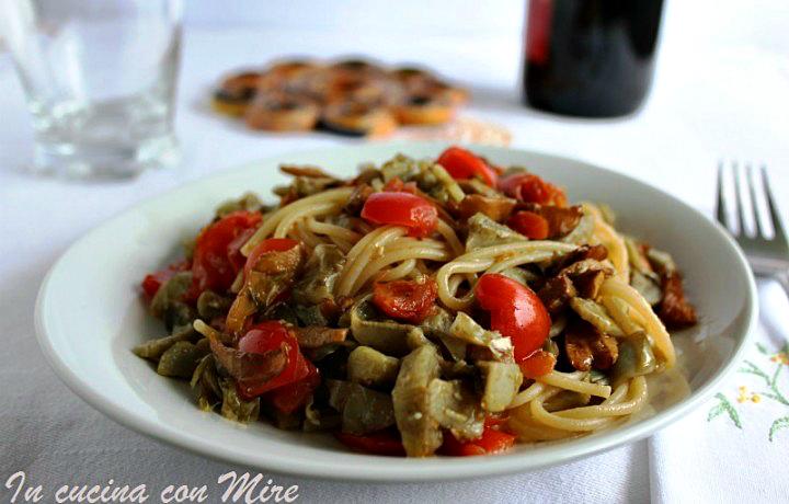 Spaghetti integrali con funghi e carciofi