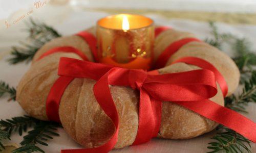 Corona di pane festosa