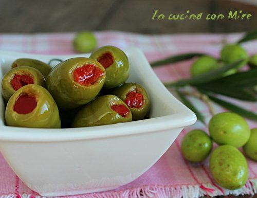 Olive ripiene con peperoni