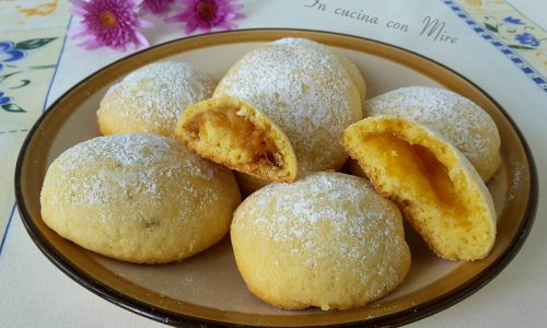 Biscotti ripieni di confettura