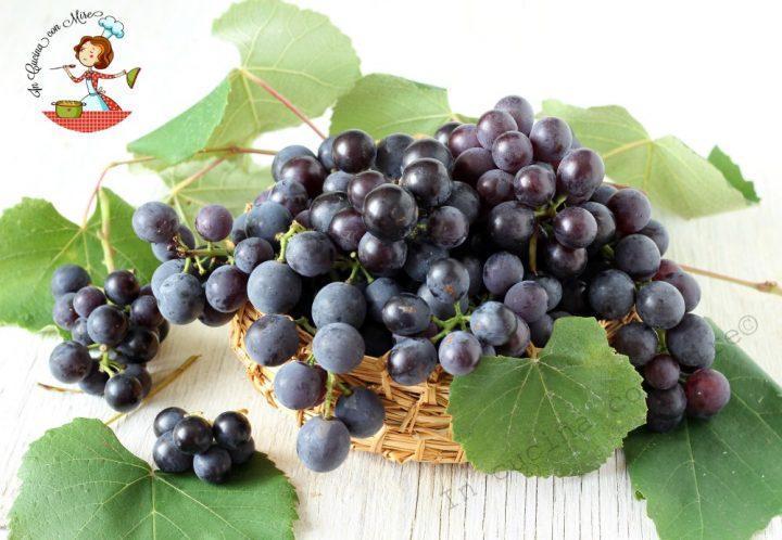Togliere semi agli acini d'uva