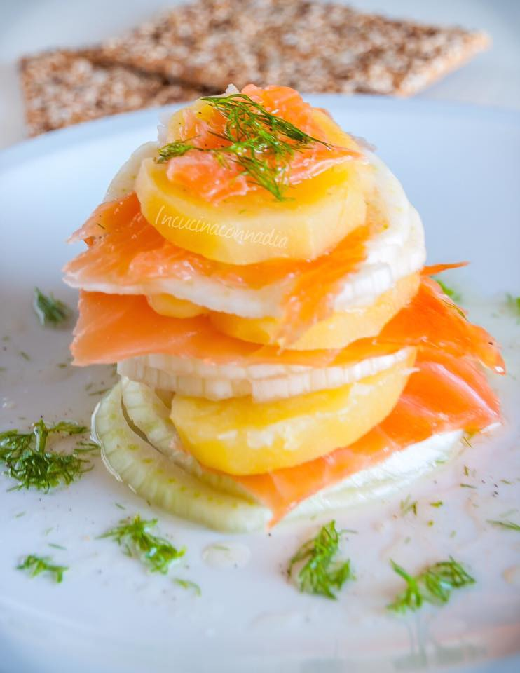 Millefoglie con salmone finocchi e patate