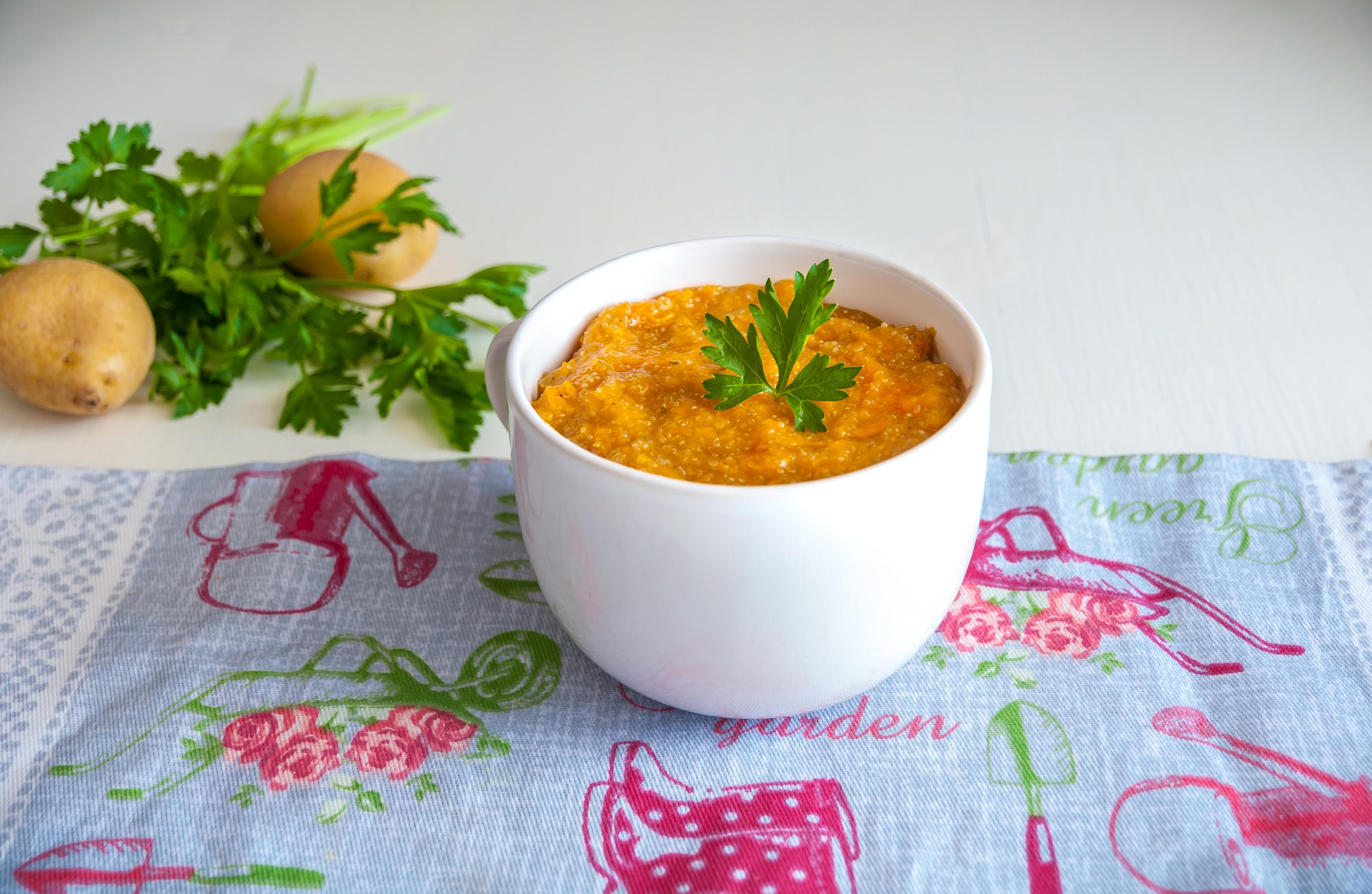 Zuppa di amaranto con zucca patate e cipolla