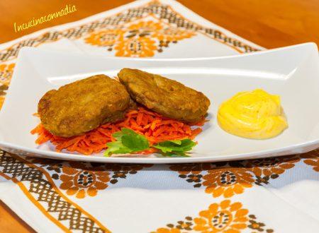 Burger di lenticchie con salsa allo zafferano e curry