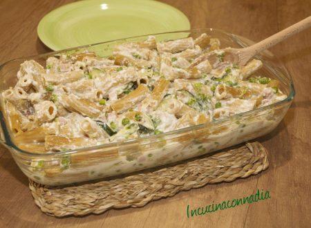 Pasta al forno delicata con zucchine e prosciutto cotto