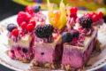 Dolce Semifreddo ai Frutti di Bosco e Vaniglia