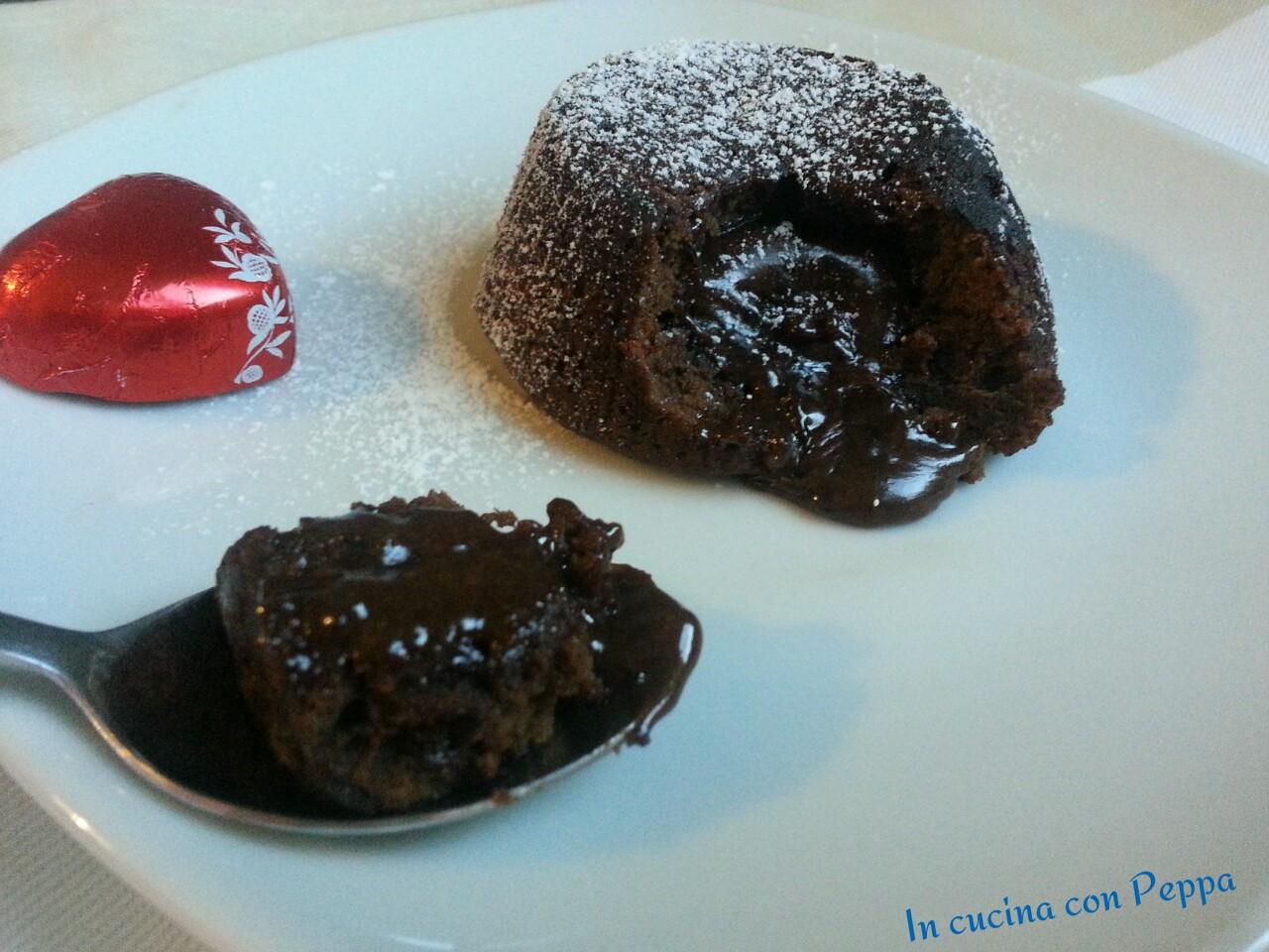 Tortino di cioccolato con cuore caldo di lindor al latte