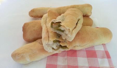 filoncini di pane con olive