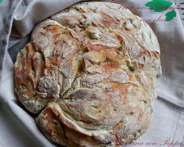 pane senza impasto con olive