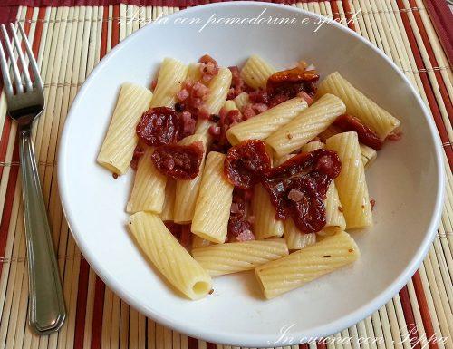 Pasta con pomodorini e speck
