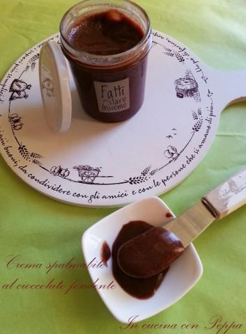 crema spalmabile al cioccolato fondente1