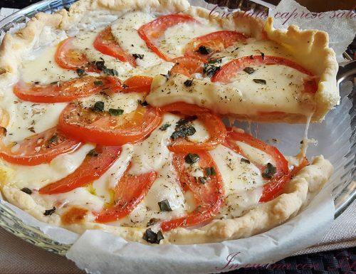 Crostata caprese salata – ricetta estiva gustosa