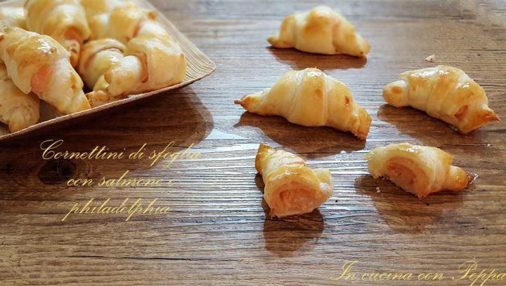 cornettini di sfoglia con salmone e philadelphia