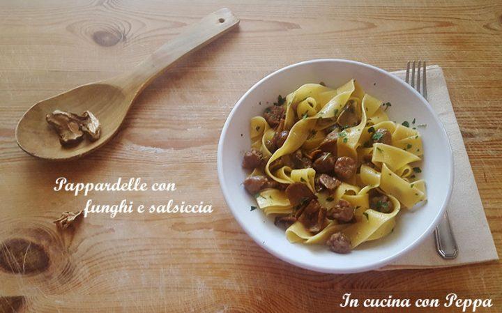 Pappardelle Con Funghi Porcini Secchi E Salsiccia In Cucina Con Peppa