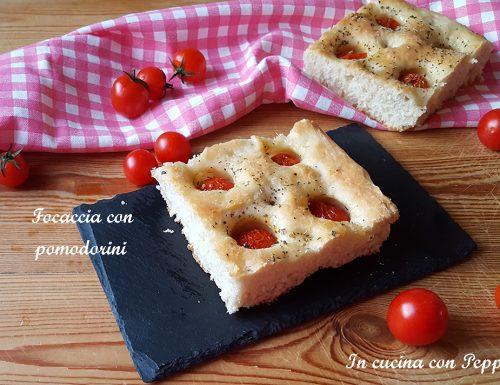 Focaccia con pomodorini sofficissima