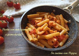 pasta con mazzancolle e pomodorini