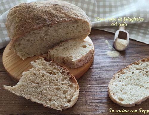 Pane cotto in friggitrice ad aria