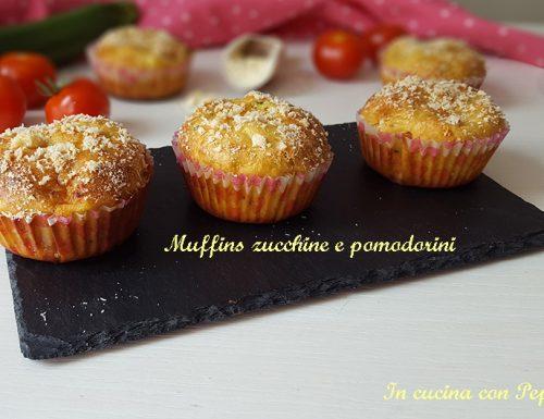 MUFFINS SALATI ZUCCHINE E POMODORINI