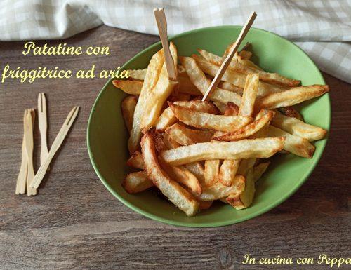 Patatine con friggitrice ad aria, buone come fritte